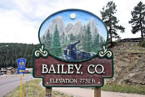 bailey_sign